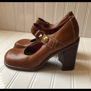 NWOT Tommy Hilfiger Clunky squared Mary Janes